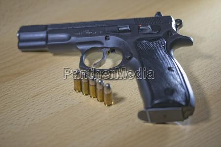 pistola pistola pistole