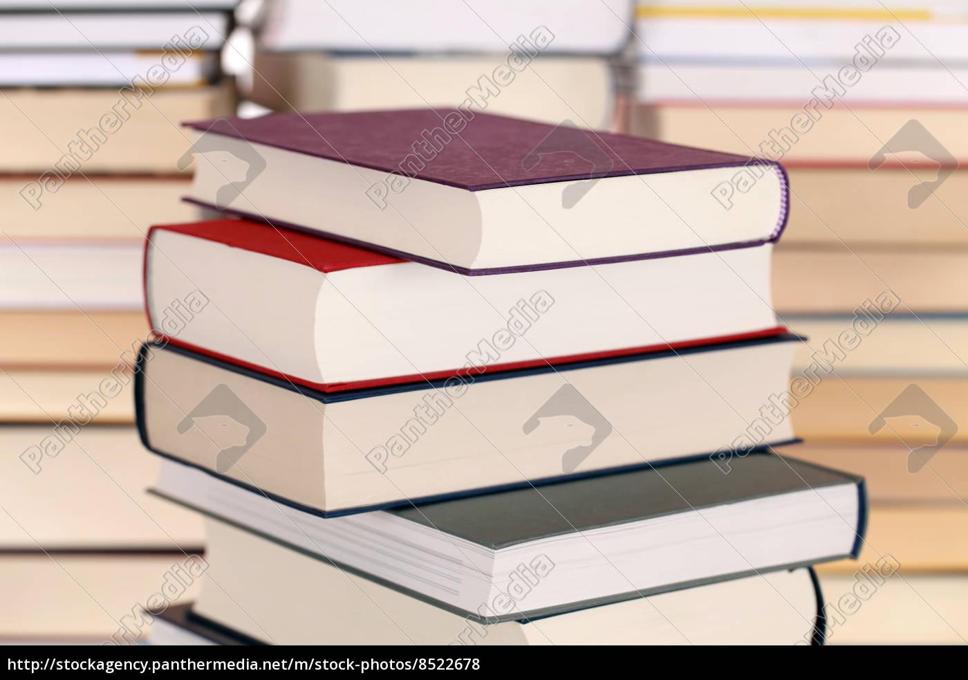 pilas, de, libros, coloridos - 8522678