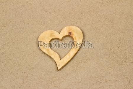 corazon en la arena
