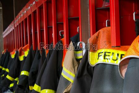 ropa protectora usada por los bomberos