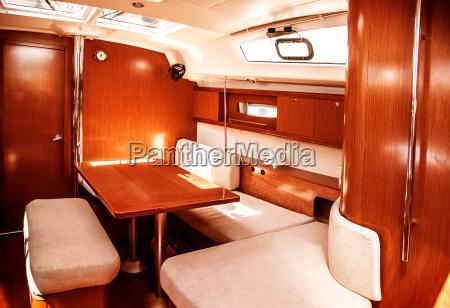 interior de barco de lujo