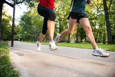 jogging pareja detalle de las