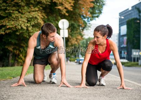 personas gente hombre jogging comienzo competir