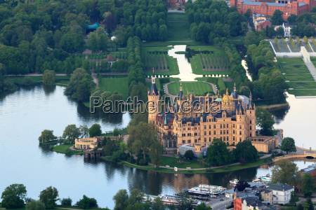 castillo de schwerin con castle park