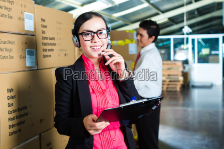 customer service in the warehouse