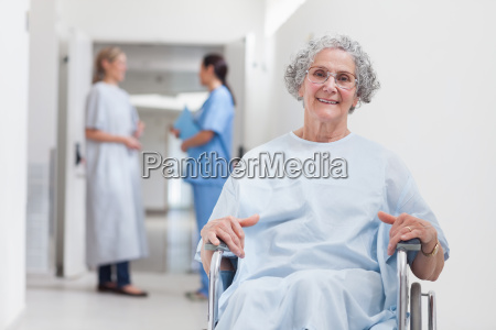 paciente de edad avanzada en el