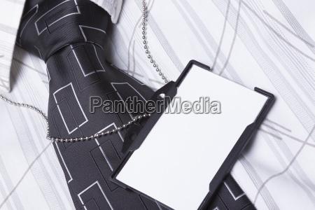 credencial de identificacion vacio en traje