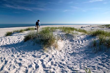 playa de arena blanca en bornholm
