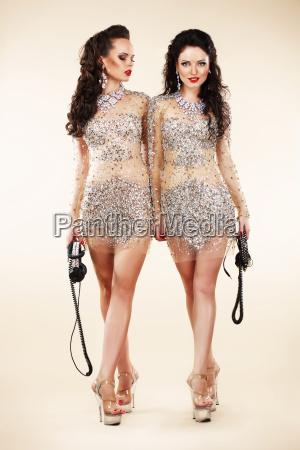 lujo dos mujeres de moda de