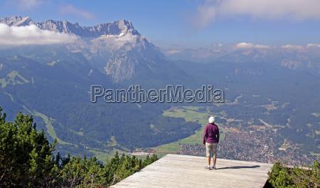 vista de garmisch partenkirchen y zugspitze