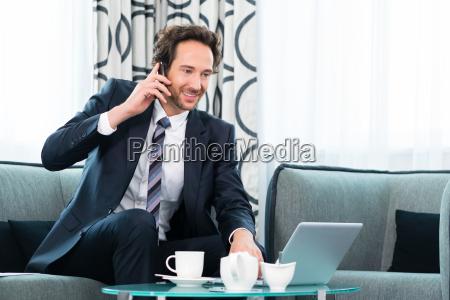 la persona de negocios en el