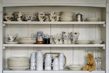 estante de la cocina antigua