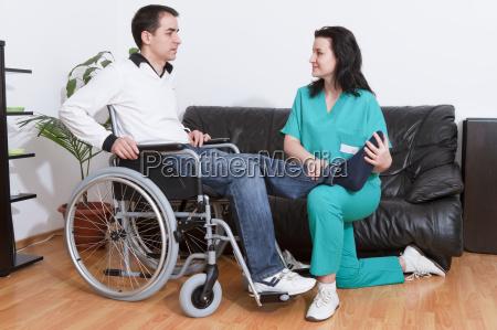 medico rehabilitacion paciente fondos de los