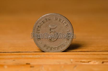 moneda pompa pfennigs tesoro pirata dinero