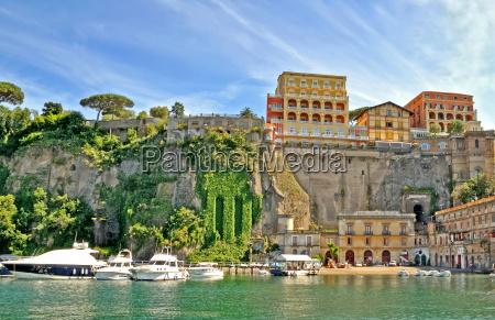 puerto de sorrento italia
