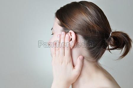 dolor en el oido