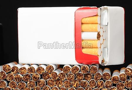 peligro primer plano inclinacion tabaco adicto