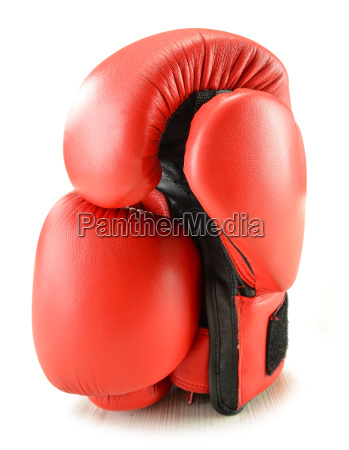 guantes de boxeo de cuero aislados