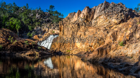 rocas rock australia cascada solitario sin