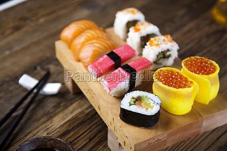 sushi comida tradicional japonesa