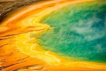 detalle america fuente color prisma colores