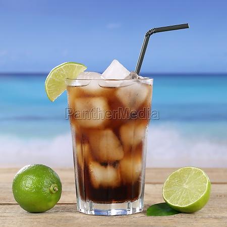 coctel de coca cola o cuba