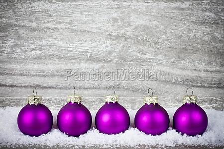 bolas de arbol de navidad violeta