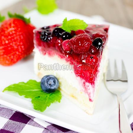 tarta de crema con bayas