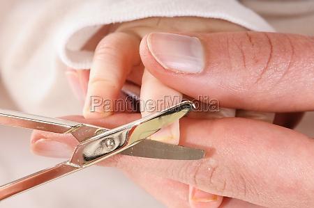 cortar las unyas del bebe