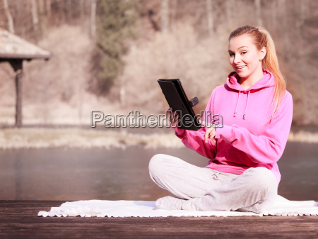 mujer adolescente chica en los ninyos