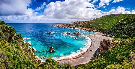 hermosa costa oceanica en costa paradiso