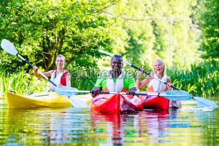 paseo de los amigos en kayak