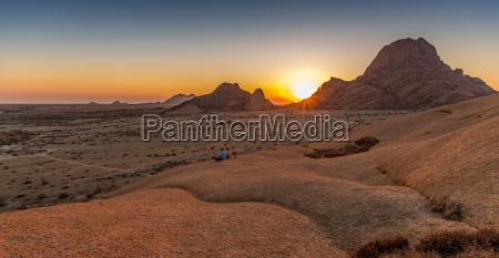 parque nacional namibia disfrutar senderismo facilitar