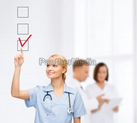 medico mujer personas gente hombre vidrio