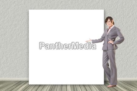 gesto mujer mujeres carrera mostrar mesa