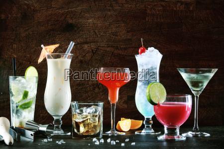 seleccion de bebidas navidenyas festivas