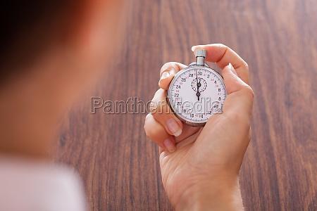 cronómetro, en, mano, femenina - 12392734