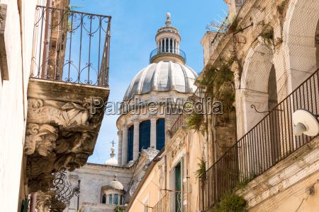 paseo viaje historico pensar iglesia ciudad