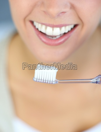 primer, plano, de, la, sonrisa, dentada - 12528732