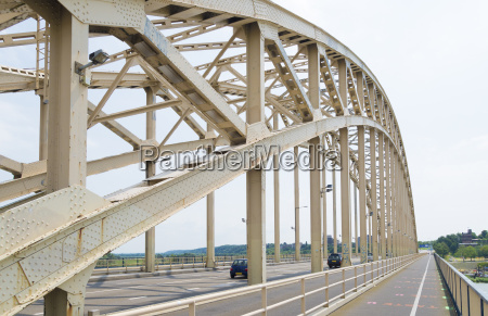 steel arch bridge