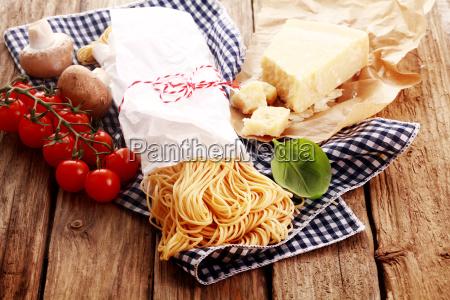 la preparacion casera de pasta italiana