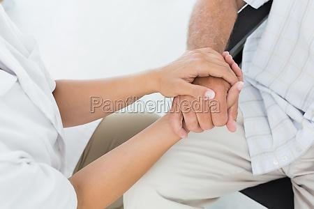 seccion intermedia de un medico que