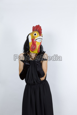polla en vestido de noche