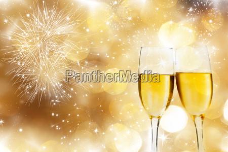 gafas con champan contra los fuegos