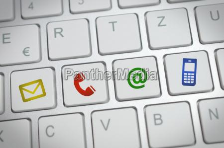 sitio web e internet contactenos concepto