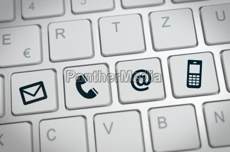 sitio web de internet en contacto