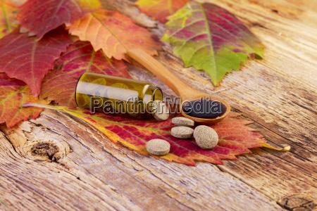 vitamina vitaminas pastillas medicina de madera