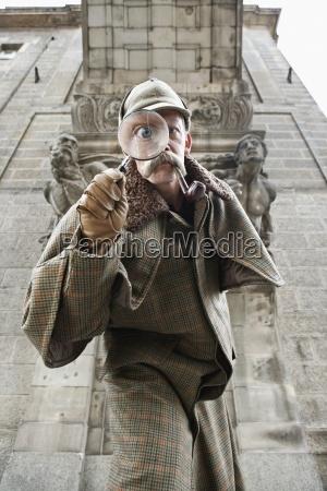 ciudad color curiosidad masculino retrato guante