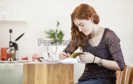 mujer cafe estudio personas gente hombre