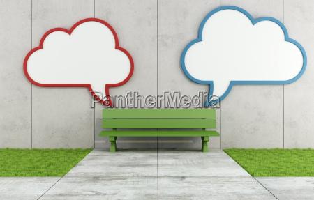 dos carteles de nubes en blanco